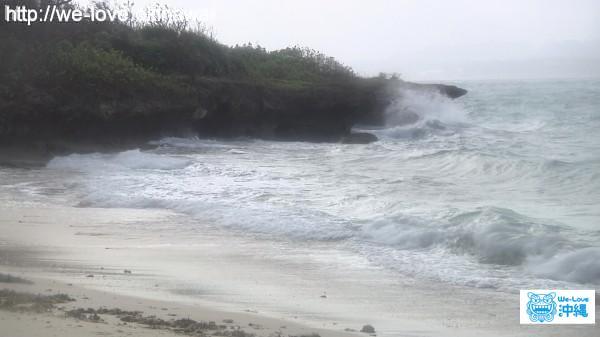 荒れ狂う海 沖縄台風