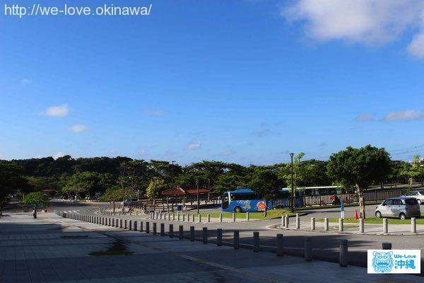 県営平和祈念公園の駐車場