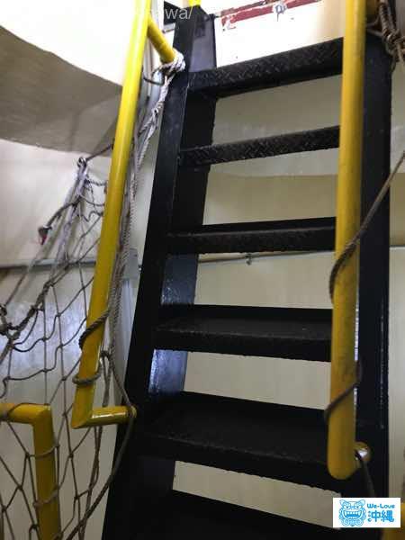 残波岬灯台階段最後のはしご