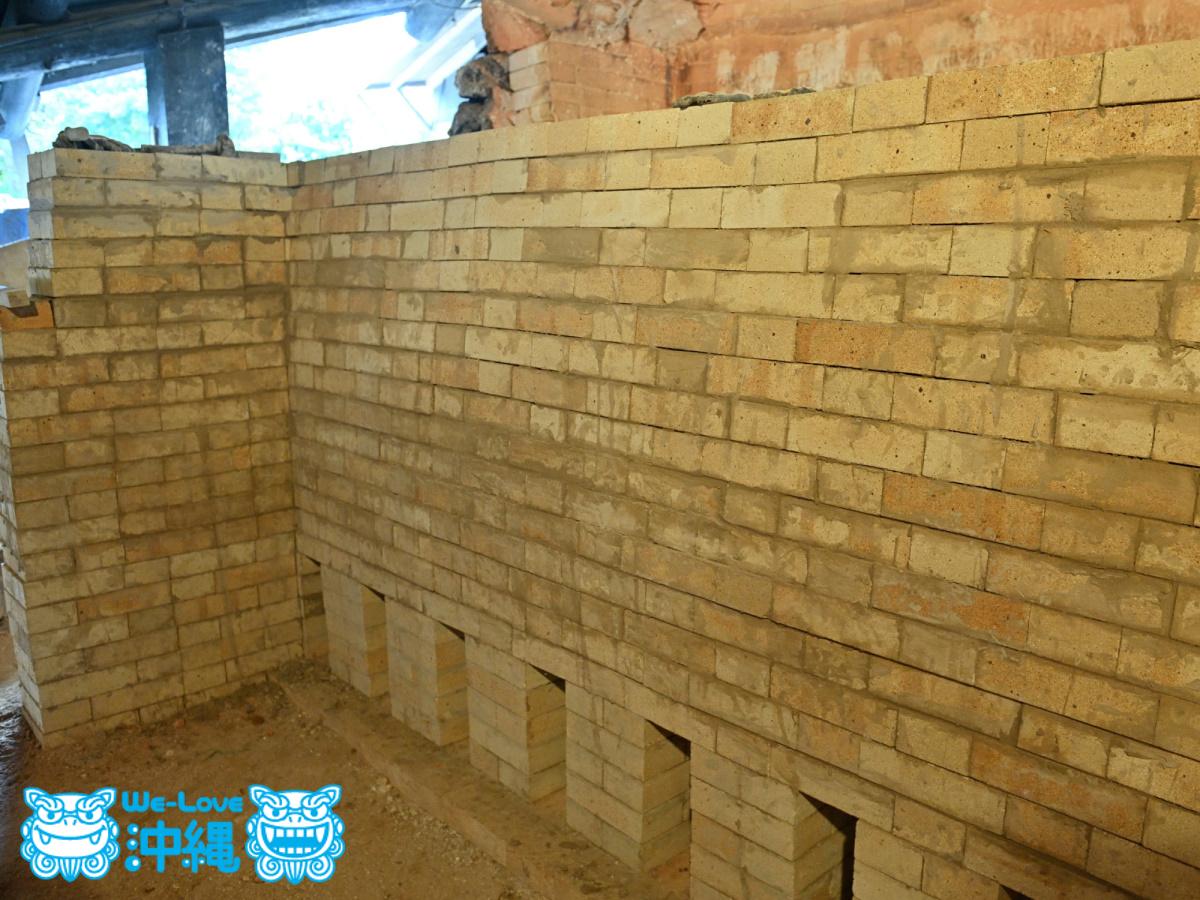 北窯壁作り_20_壁が少し後方に傾いている