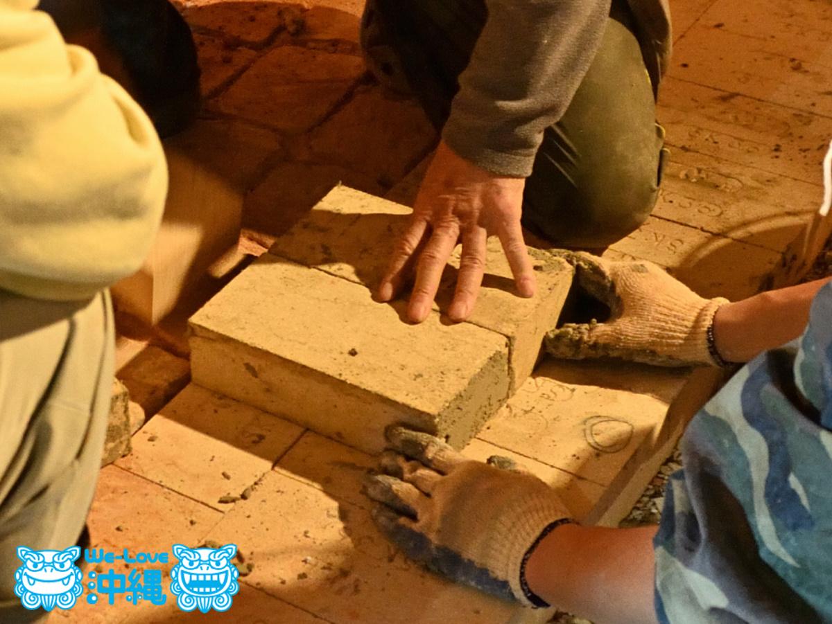 北窯壁作り_2_レンガを積み始める