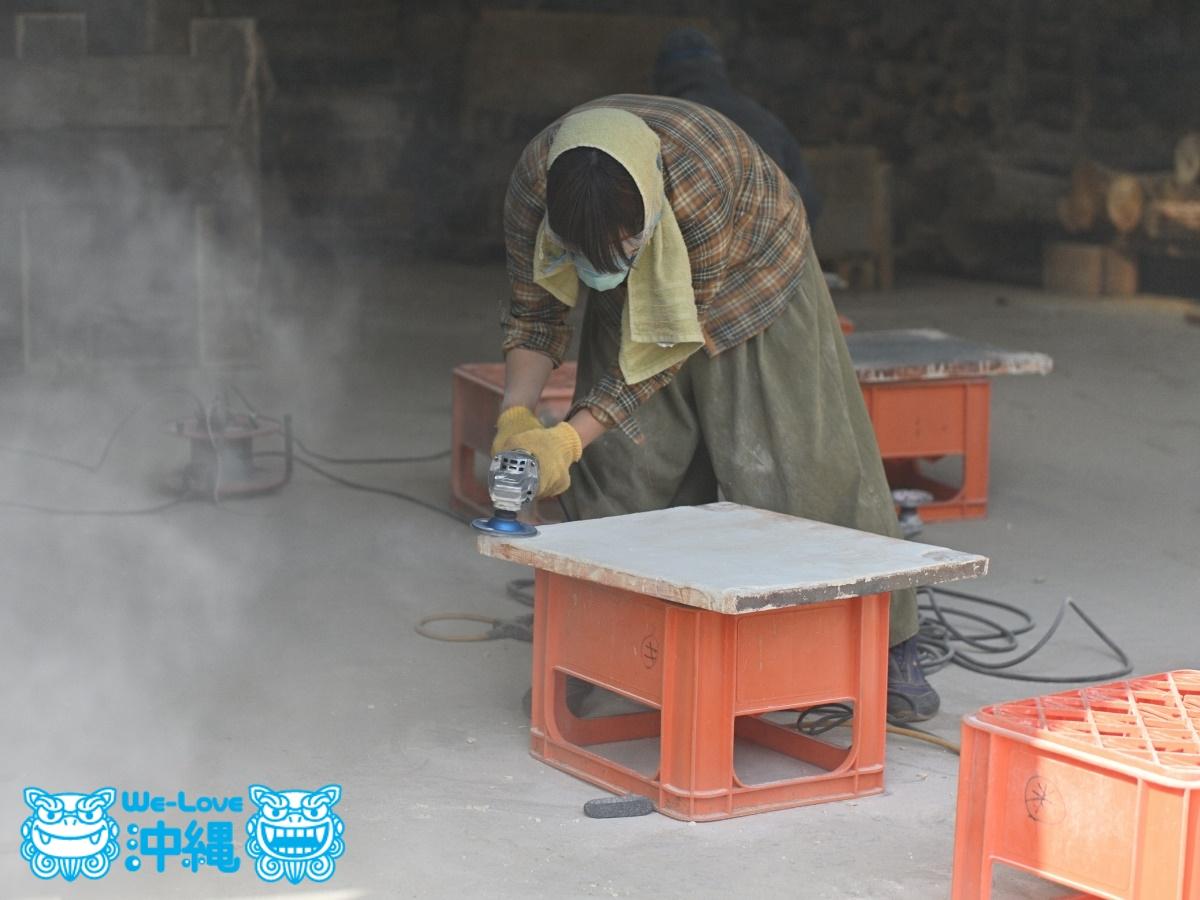 読谷山焼・北窯の登り窯とやちむん作り、窯や道具の掃除・手入れ